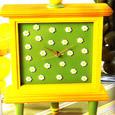 Field fo Daisies Clock