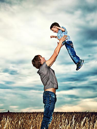 relationship between fathers and sons Add divorce or separation, which are so common to modern families, and the cumulative effects of these various factors can leave a lingering distance between fathers and sons that lasts long past adolescence – and can harm a man's adult relationships and life choices.