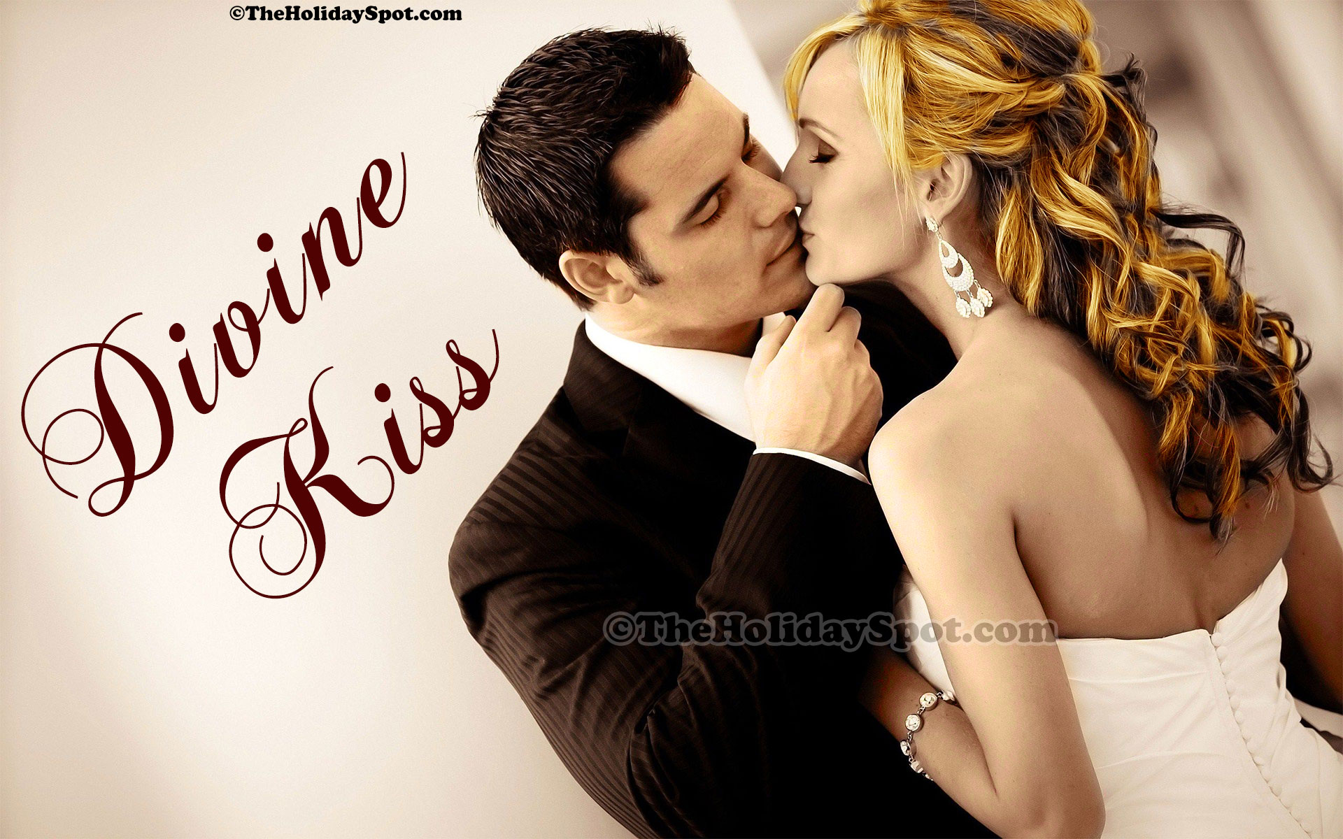 classic kiss wallpaper - photo #28